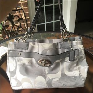 """Silver Signature """"C"""" Style Coach hand bag"""